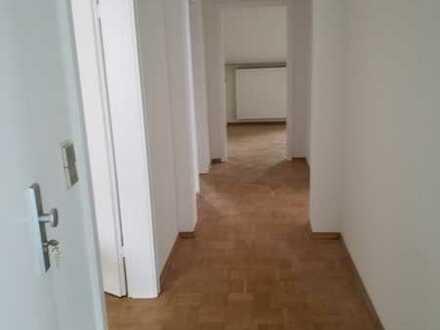 Gepflegte 3-Zi-Wohnung mit Balkon in Ma- Friedrichsfeld zu vermieten