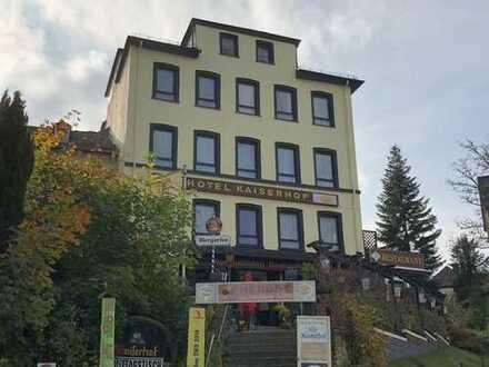Rennomiertes Hotel in Bestlage, direkt am Kurpark / Kurhaus +++ Parkplätze +++ Gastronomie +++