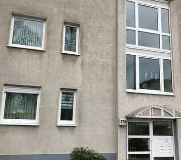 *frische Renoviert!* gepflegte gut aufgeteilte Wohnung mit Balkon und Stellplatz mitten in Velbert