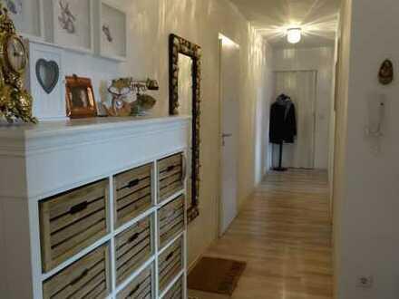 *RESERVIERT* Sanierte 3 Zimmerwohnung+2 Sonnen-Balkone mit Markise+EBK inkl.+Stellplatz