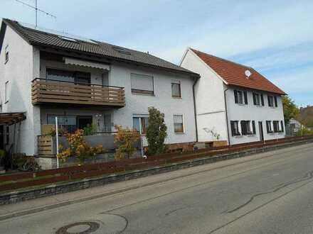 Zwei Wohnhäuser auf einem Grundstück mit vielen Optionen