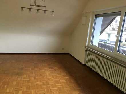 Gepflegte 3 -Zimmer-Dachgeschosswohnung mit 2 Balkonen in Mertesdorf