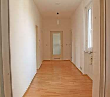 6015 - Gemütliche Dachgeschosswohnung in Mühlburg!