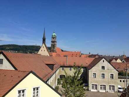 Ihre ganz besondere 3-Zimmer-Maisonette-Wohnung mit Terrasse und Einbauküche im Herzen von Amberg