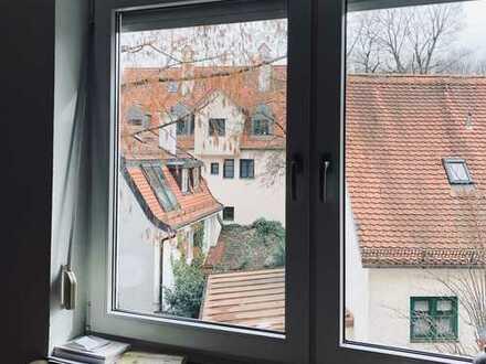 !! Hervorragende Lage !!! Gepflegte 2-Zimmer-Wohnung mit 2 Balkonen, nahe der Isar in der schönen Au