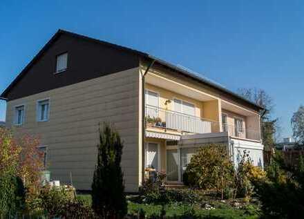 Doppelhaushälfte in gehobener Lage mit ca. 550 m² Grundstück und 3 abgeschlossenen Wohnungen
