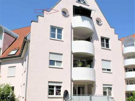 Dachgeschosswohnung mit Balkon und Stellplatz in Dietenheim