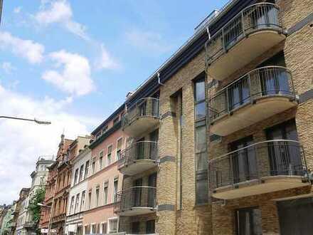 Ein Wohntraum in der Nerostraße! Luxuriöse Ausstattung! Tiefgarage, Aufzug, EBK, Südbalkon, u.v.m.