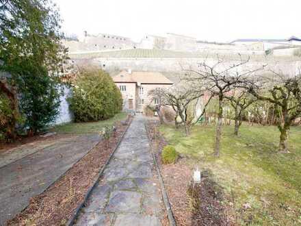 Wohnidylle am Fuße der Festung - Wohnhaus mit großem Garten in der Leistenstraße zu vermieten