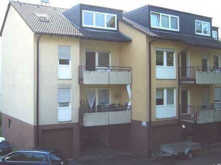 Drei Zimmer, Küche, Bad, Balkon, Keller, Garage (Winzenheim, kein Hochhaus)