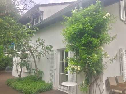 4 Zimmer in wunderschönem Haus mit Garten für Paare, Familien oder WGs - Vermietung für 1 Jahr