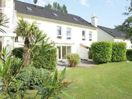 Sehr schönes Reihenmittelhaus mit Terrasse und Garten in ruhiger und zentraler Lage!