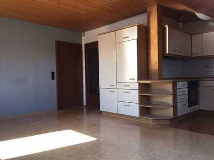 Freundliche 3,5-Zimmer-DG-Wohnung mit Balkon und Einbauküche in Kappel-Grafenhausen