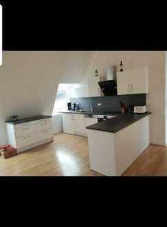4 Zimmer Dachgeschosswohnung in Friedrichshain