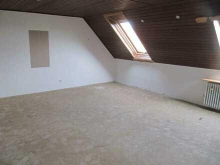 Schicke 1,5 Raum DG-Wohnung mit WBS