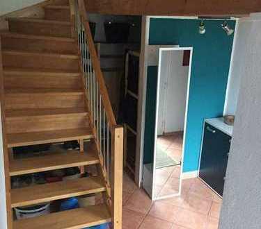 WG-1 1/2 Zimmer in einem freistehenden Einfamilienhaus