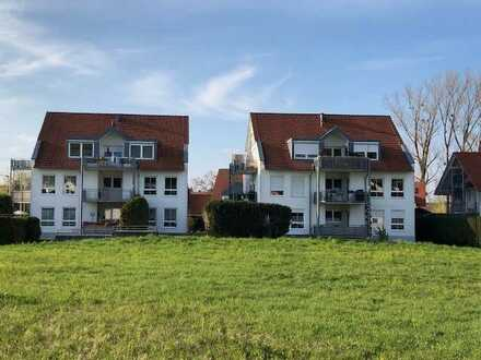 Schöne Maisonette-Wohnung mit drei Zimmern und Balkon in Uhldigen-Mühlhofen