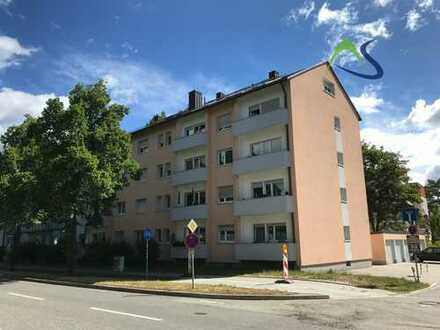 Großzügige Zweizimmerdachgeschosswohnung mit Klimaanlage und Einbauküche in guter Lage