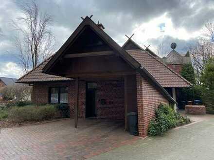 Günstige 3-Zimmer-Dachgeschosswohnung mit Balkon und EBK in Lorup
