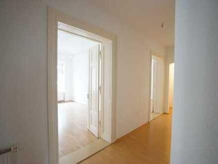 ***Familien aufgepasst ! 4-Raum-Altbauwohnung in Halles historischer Altstadt***