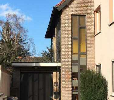 Sehr gepflegte und wunderschöne 4-Zimmer-Wohnung (Anbau) mit Balkon und Garten in Dortmund-Brackel