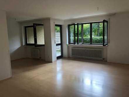 Ihr Platzwunder in Neusäß - 2 Zimmer-Wohnung im Erdgeschoss mit Garten