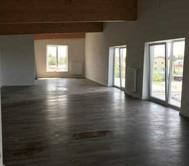 #Traitteur Immobilien- Stylisches Penthausbüro mit Terrasse mit Fernblick-
