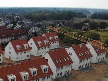 Schöne Doppelhaushälfte mit fünf Zimmern in Dahme-Spreewald (Kreis), Königs Wusterhausen