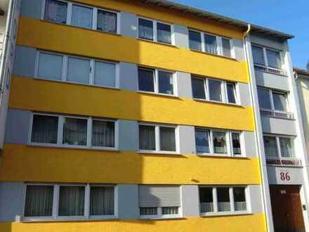 Gepflegte 1-Zimmer-Wohnung mit Einbauküche in Worms sucht ab sorfort solvente Mieter