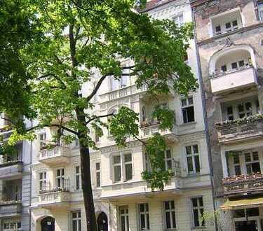 Stuckaltbau Kreuzberg Südstern Lilienthalstrasse Wohnung vollkommen neu saniert