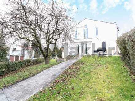 Stilvolles Familienheim: Schönes 5-Zi.-REH mit Garten und Balkon in Passau