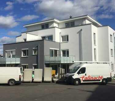 Erstbezug mit Einbauküche und Balkon: exklusive 2-Zimmer-Wohnung in Ehningen
