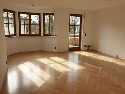 Sehr schöne, helle 3 -Zimmer-Wohnung in ruhiger Lage
