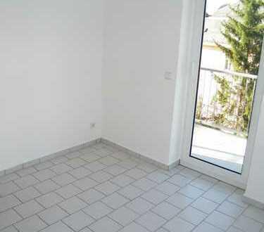 4 Raumwohnung mit Balkon, Bad mit W/DU/F; Gäste-WC!!!