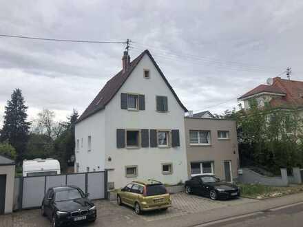 Doppelhaushälfte (Altbau) mit Garten