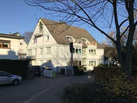 Lichtdurchflutete 3-Zimmer-Wohnung mit Balkon und Einbauküche in Frechen-Königsdorf