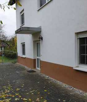 Vollständig renovierte 2,5-Zimmer-Wohnung mit Einbauküche und Fußbodenheizung in Niederneisen