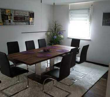 Helles und möbliertes WG-Zimmer in moderner 3-Zimmerwohnung in Backnang