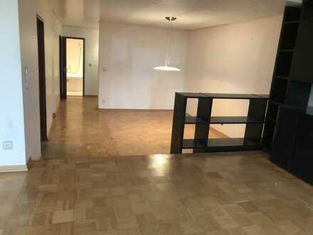 Stilvolle 5-Zimmer-Maisonette-Terrassen-Wohnung mit Sauna in Gerlingen
