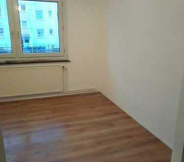 Erstbezug nach Sanierung mit Balkon: preiswerte 3-Zimmer-Wohnung in Duderstadt