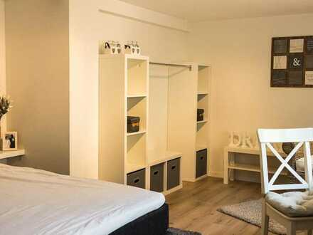 Komplett modern möblierte 4- Zimmer- WG zum Wohlfühlen