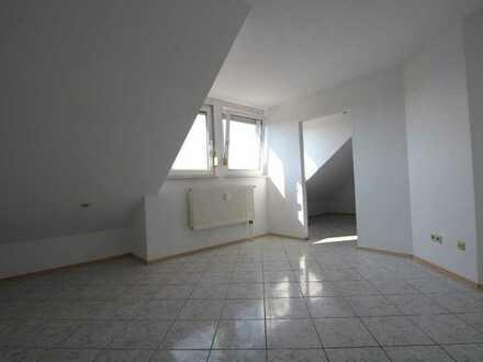 Helle 68 m², 3 Zimmer Dachgeschosswohnung in Östringen zu vermieten.