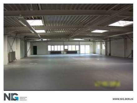 Moderne, tagesbelichtete Halle in verkehrsgünstiger Lage | nahe Potsdamer Chaussee