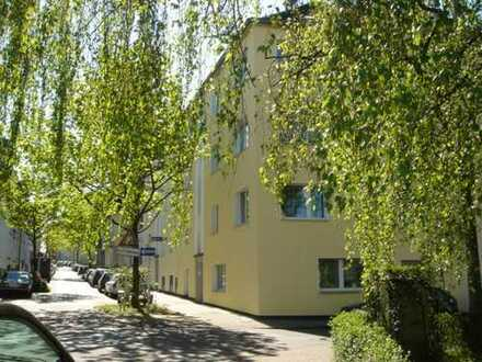 Modernisierte 1-Rm.-DG-Wohnung mit Kleinküche, W-Bad in Essen-Frohnhausen