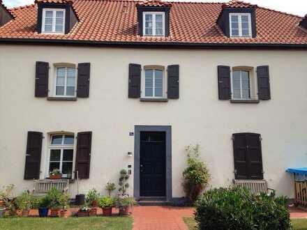 2-Zimmer-Loft-Wohnung mit unterbautem Rheinblick in gepflegter Hofanlage, Köln Nord