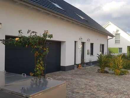 Exklusives , geräumiges Massivhaus mit sechs Zimmern in Ortenaukreis, Meißenheim