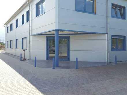 90 qm BÜROEINHEIT + Parkflächen / optional Freiflächen / optional Neubau Werkhalle 700qm