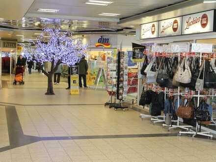 Attraktives Umfeld - Ladeneinheit mit großzügiger Schaufensterfläche...Wiesbaden...