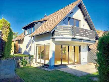 Freistehendes Einfamilienhaus mit Einliegerwohnung inkl. Garage + Stellplatz in Odenthal-Erberich