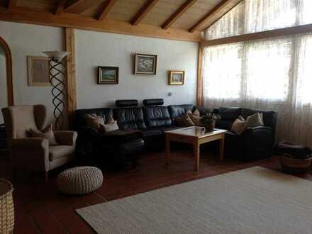 Helle, ruhige 3,5-Zimmer-Wohnung mit ca. 125 m²